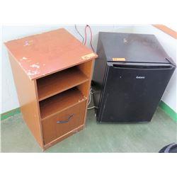 Wooden Shelf w/ Mini Fridge (RM-206)