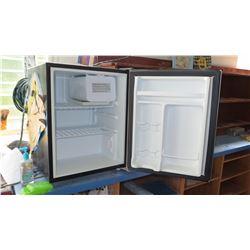 Mini Refrigerator (RM-207)