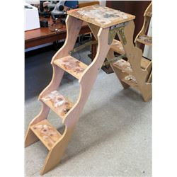 Double-Sided Ladder Shelving Unit (RM-301)
