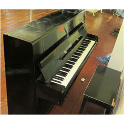 Black Piano with Black Wooden Bench (RM-Theater)