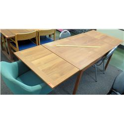 Wooden Extendable Table w/ 3 Chairs (RM-101)