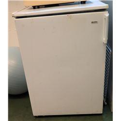 Kenmore Mini Refrigerator (RM-101)