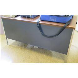 Wood-Top Metal Desk w/ Rolling Chair (RM-223)