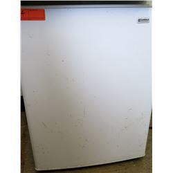 Kenmore Mini Refrigerator (RM-223)