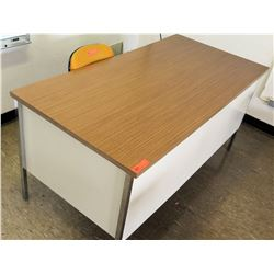 Wood and Metal Desk w/ Rolling Chair (RM-224)