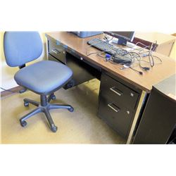 Desk w/ Rolling Chair (RM-321)