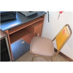 Small Desk w/ Chair (RM-322)