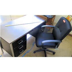 Desk w/ Rolling Chair (RM-322)