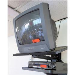 Toshiba TV w/ Panasonic VHS Player (RM-221)