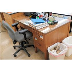 Wooden Desk w/ Rolling Chair (RM-121)