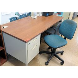 Wood & Metal Desk w/ Rolling Chair (RM-122)