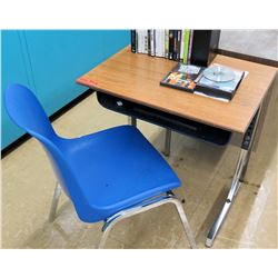 Desk w/ Chair (RM-122)
