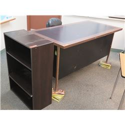 Desk w/ Rolling Chair and Small Shelving Unit (RM-605)