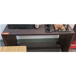 Wooden Desk w/ Vacuum (RM-605)