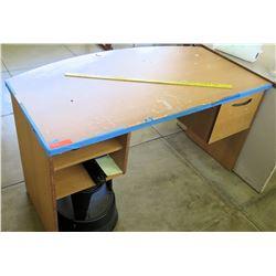 Rounded Edge Wooden Desk w/ Shelves (RM-402