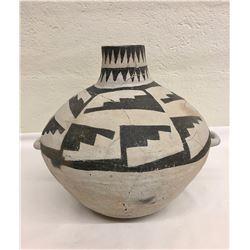 Pueblo II, Mesa Verde Pottery Jar