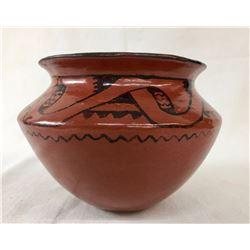 Unique Ida Redbird Pot with Picture