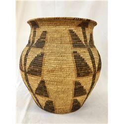 Large Tohono O'Odham Basket