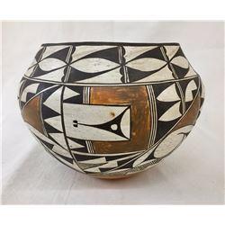NICE! 1940s Acoma Pot