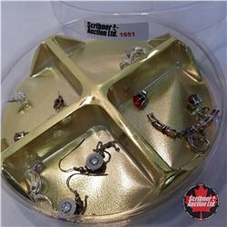 Jewellery Grouping: 8 Pairs Earrings