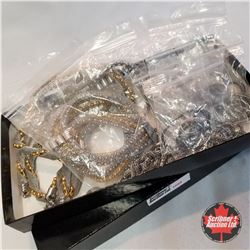 Jewellery Grouping:  13 Mesh Chains (Asst Length)