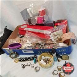 Assorted Damaged Jewellery and Repair Pieces
