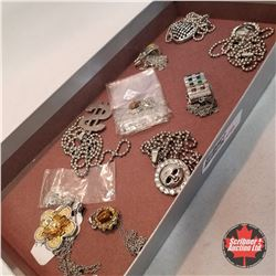 Jewellery Group: 10 Assorted Necklaces