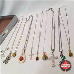 Jewellery Group: 10 Necklaces
