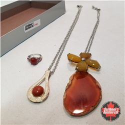Jewellery Group: Agate; 2 Pendants 1 Ring (Size 7)