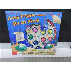 New Gone Fishin' Kids Game / catch a fish as the board rotates