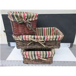 "3 Wicker Baskets with Liners / 1- 10"" and 1 - 7"" and 1 - 14"" long"