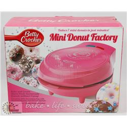 BETTY CROCKER MINI DONUT FACTORY