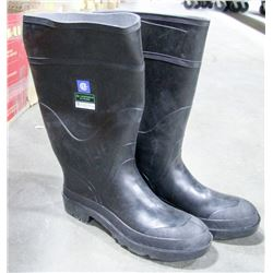 PAIR OF BAFFIN STEEL TOE RUBBER BOOTS