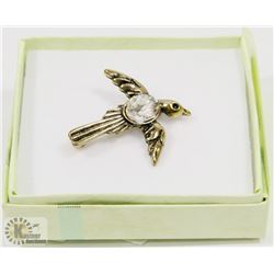 ESTATE HUMMINGBIRD BROOCH WITH CRYSTAL CENTRE