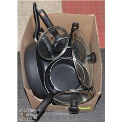 T-FAL DISH SET WITH LIDS