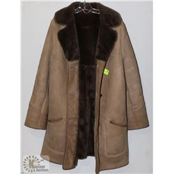 SHEEPSKIN JACKET LADIES SIZE 12