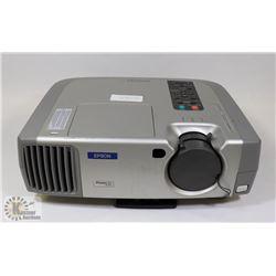 EPSON 2000 LUMENS DIGITAL PROJECTOR W/ 293 LAMP HR