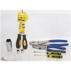 FLAT INCLUDING 2 PAIRS OF JET PLIERS, SCREWDRIVER,