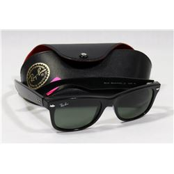 PAIR OF RAY-BAN SUNGLASSES WITH ORIGINAL CASE