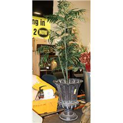 ARTIFICIAL PLANT IN METAL DECORATIVE PLANTER