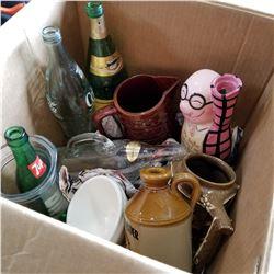 BOX OF VINTAGE BOTTLES, CIGAR JUG, AND BAR ITEMS