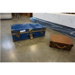 SMALL BLUE TRUNCK AND VINTAGE SUITCASE