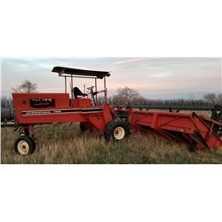 IH 4000 Windrower Swather, 1978