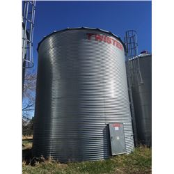 Twister Grain Bin 5900 bushel with flat bottom reinforced steel floors