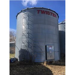Twister Grain Bin 4500 bushel, with reinforced steel flat bottom