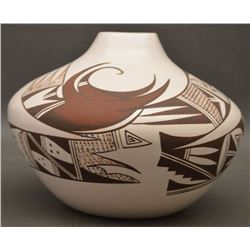 HOPI INDIAN POTTERY JAR (NAVASIE)