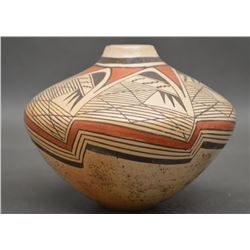 HOPI INDIAN POTTERY VASE ( VERNIDA POLACCA NAMPEYO)
