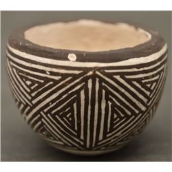 ACOMA INDIAN POTTERY BOWL (LUCY M LEWIS)