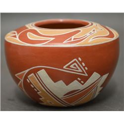 SANTA CLARA INDIAN POTTERY JAR (EARLENE YOUNGBLOOD TAFOYA)