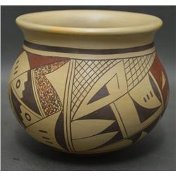 HOPI INDIAN POTTERY JAR ( BONNIE SAHMIE NAMPEYO)